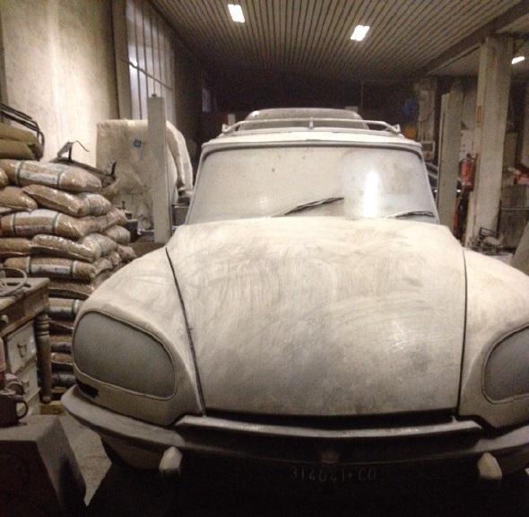 Sortie de grange d 39 une id 20 f familiale italienne de 1971 for Garage sortie de grange quesnoy sur deule